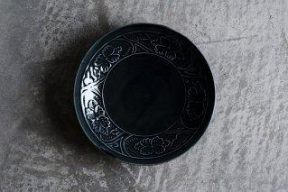 淡ルリ 陽刻牡丹文5.5寸皿