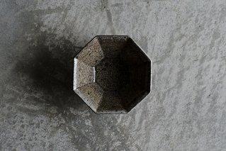 焼しめ八角鉢