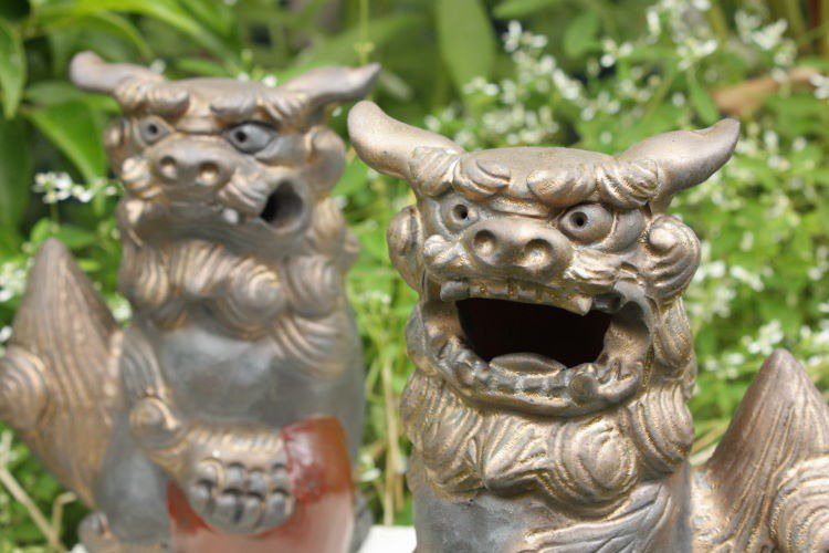 沖縄陶器の福シーサー【燻し金色】(小)ペア