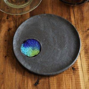 ブラック&琉球ガラスプレート 7寸皿/やちむん
