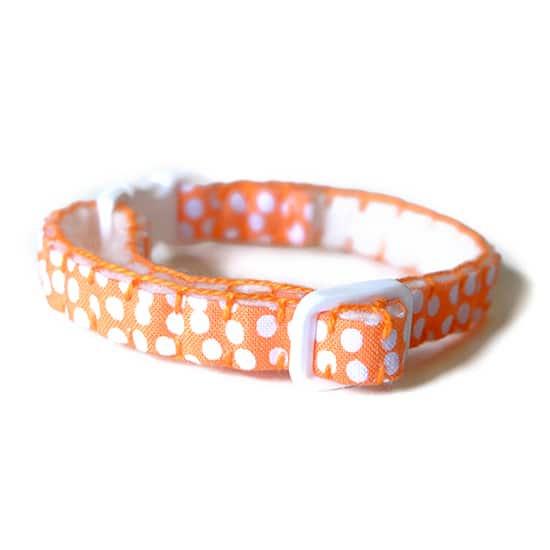猫の首輪|オレンジミズタマ