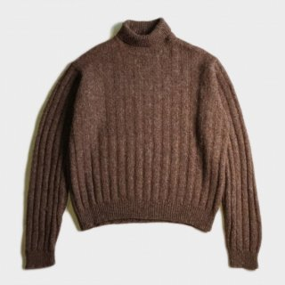 ALPAKA WOOL TURTLE NECK SWEATER