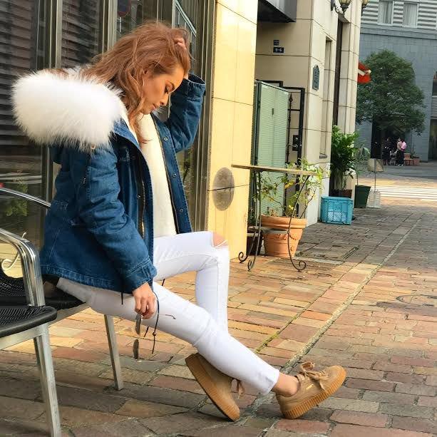 【予約商品】 ビッグラクーンファー付きモッズコート(ミディアム丈) デニム×ホワイトファー