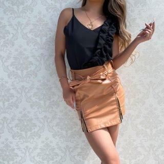 リボンベルト付きレザータイトスカート
