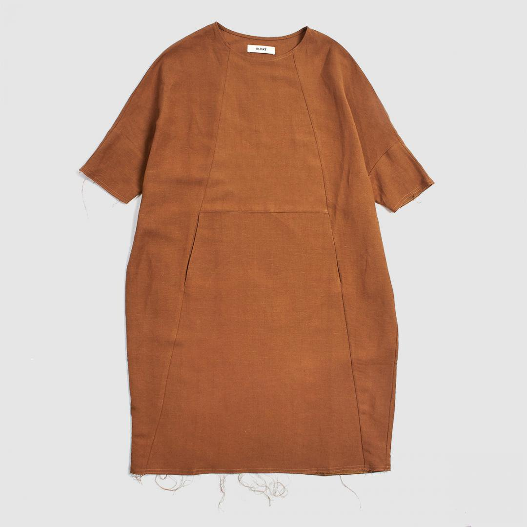 KLOKE<br />HASLEY DRESS -TOBACCO-