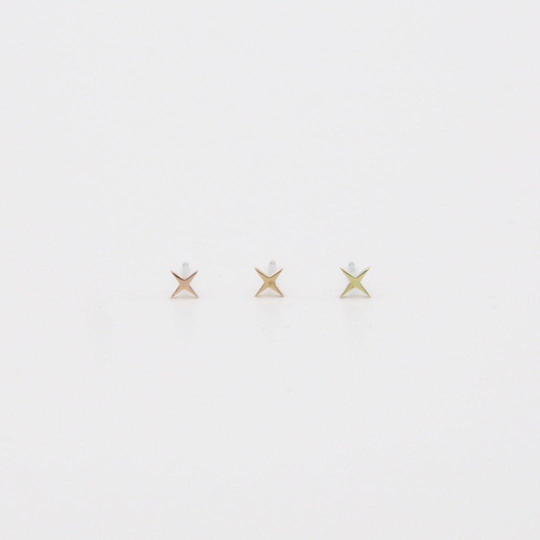 Pfutze  プフッツェ<br />「星」片耳ピアス A<br />ゴールド [3color]