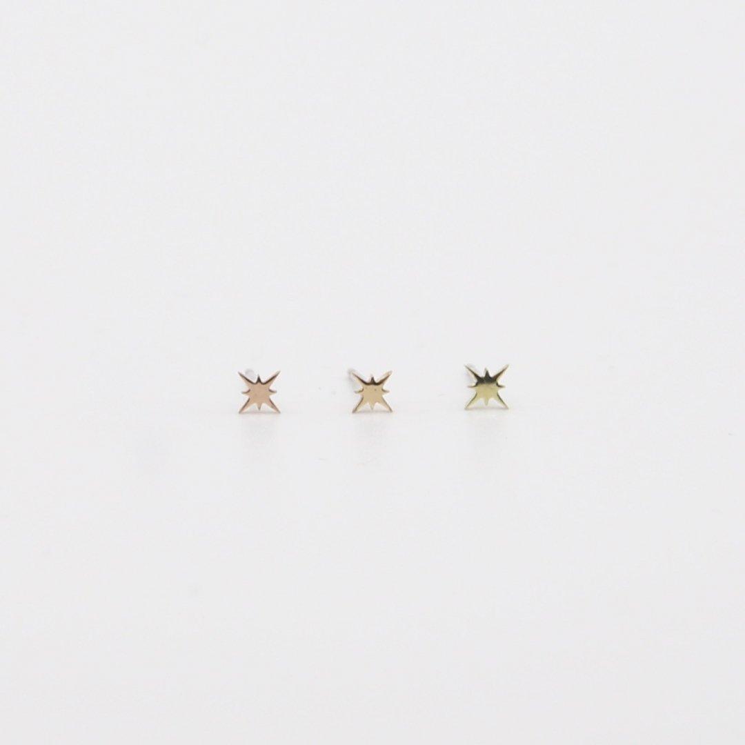 Pfutze  プフッツェ<br />「星」片耳ピアス B<br /> ゴールド [3color]