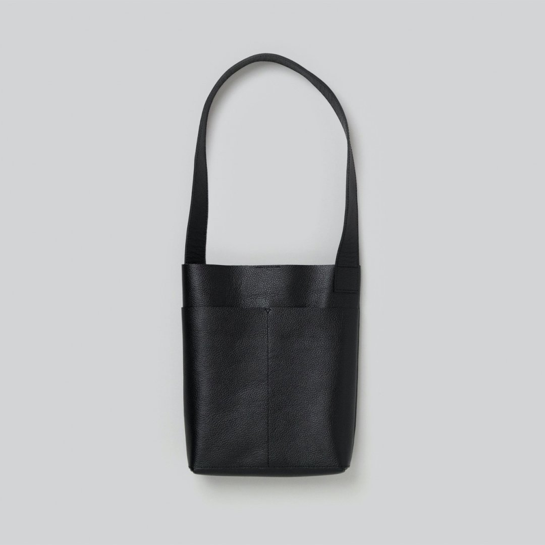 _Fot<br />pocket shoulder bag [ black ]