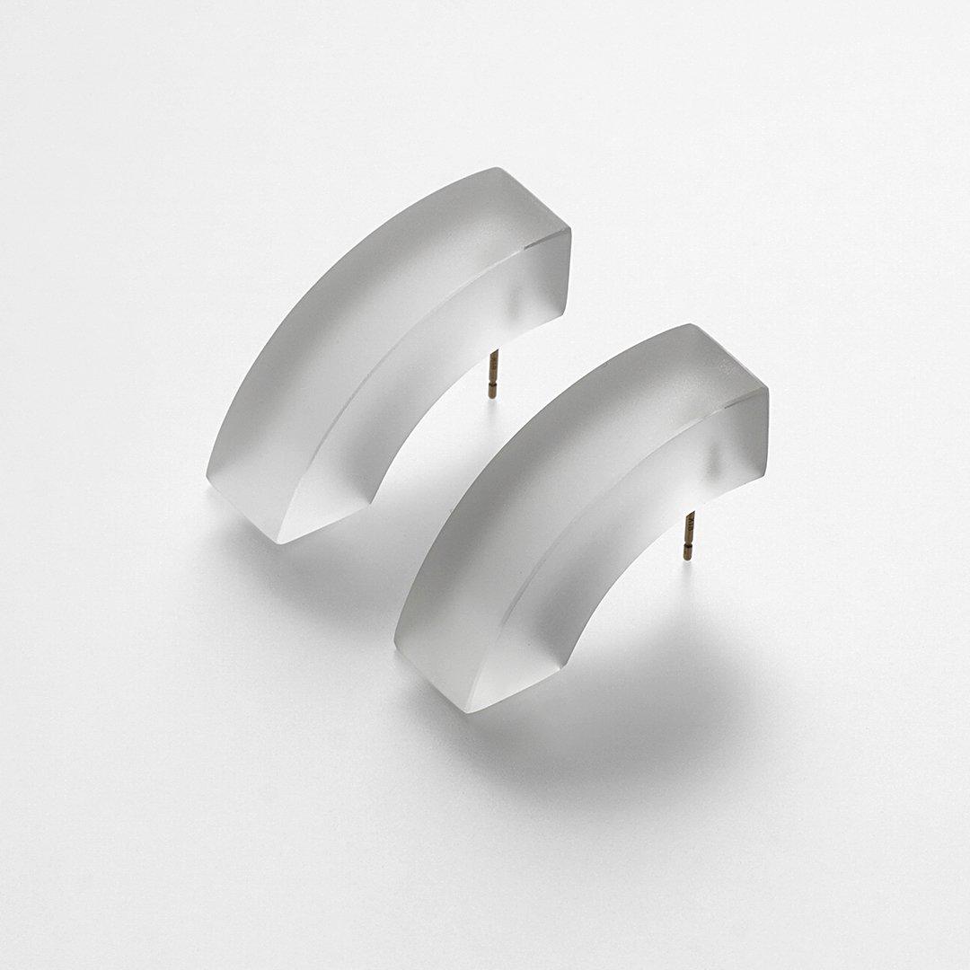 bubun<br />〈blank〉QUARTER CIRCLE earrings