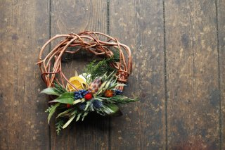 <img class='new_mark_img1' src='//img.shop-pro.jp/img/new/icons6.gif' style='border:none;display:inline;margin:0px;padding:0px;width:auto;' />little original wreath 004 with gift box