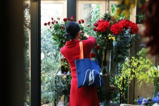 THE LITTLE SHOP OF FLOWERS  marche bag-blue x orange-