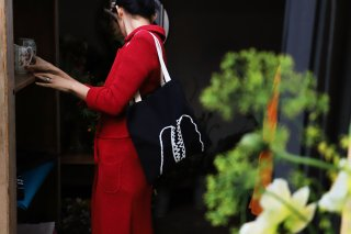 THE LITTLE SHOP OF FLOWERS  marche bag-BLACK-