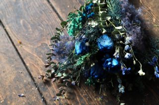 <img class='new_mark_img1' src='//img.shop-pro.jp/img/new/icons6.gif' style='border:none;display:inline;margin:0px;padding:0px;width:auto;' />dried flower bouquet -purple/blue-