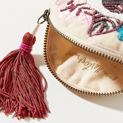 <img class='new_mark_img1' src='https://img.shop-pro.jp/img/new/icons14.gif' style='border:none;display:inline;margin:0px;padding:0px;width:auto;' />アンソロポロジー Anthropologie ベルベットポーチ 【モノグラム・A】