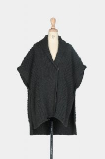 NIMITE KNIT PONCHO TOP<img class='new_mark_img2' src='//img.shop-pro.jp/img/new/icons22.gif' style='border:none;display:inline;margin:0px;padding:0px;width:auto;' />