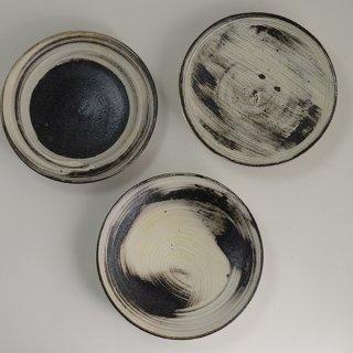 山田隆太郎 刷毛目6寸皿 径17cm 高さ3cm