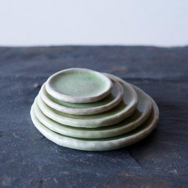 石木花の皿 若草