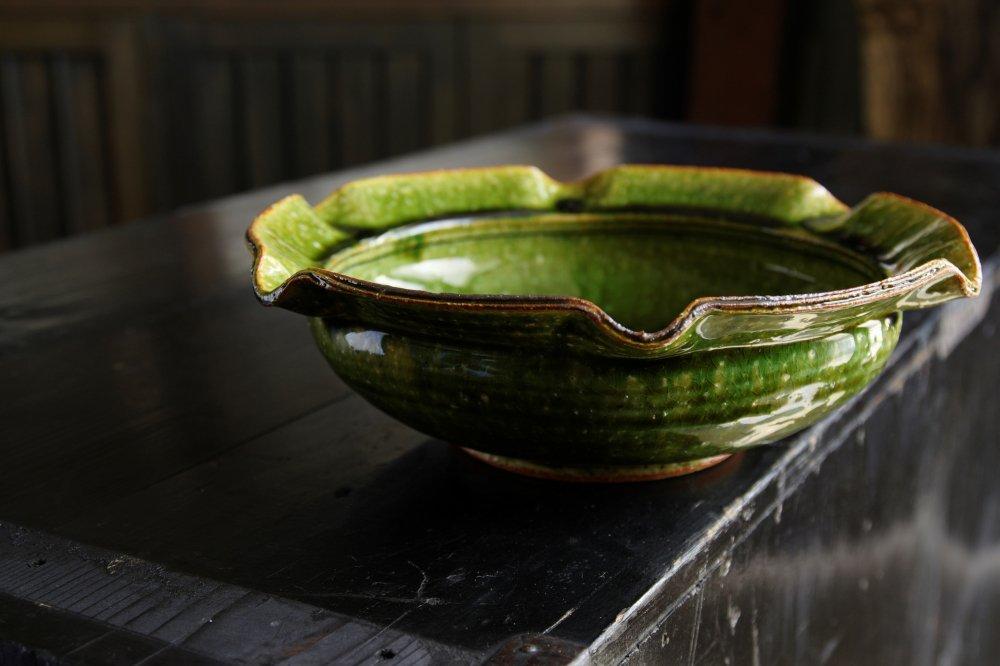 安達和治 織部輪花鉢