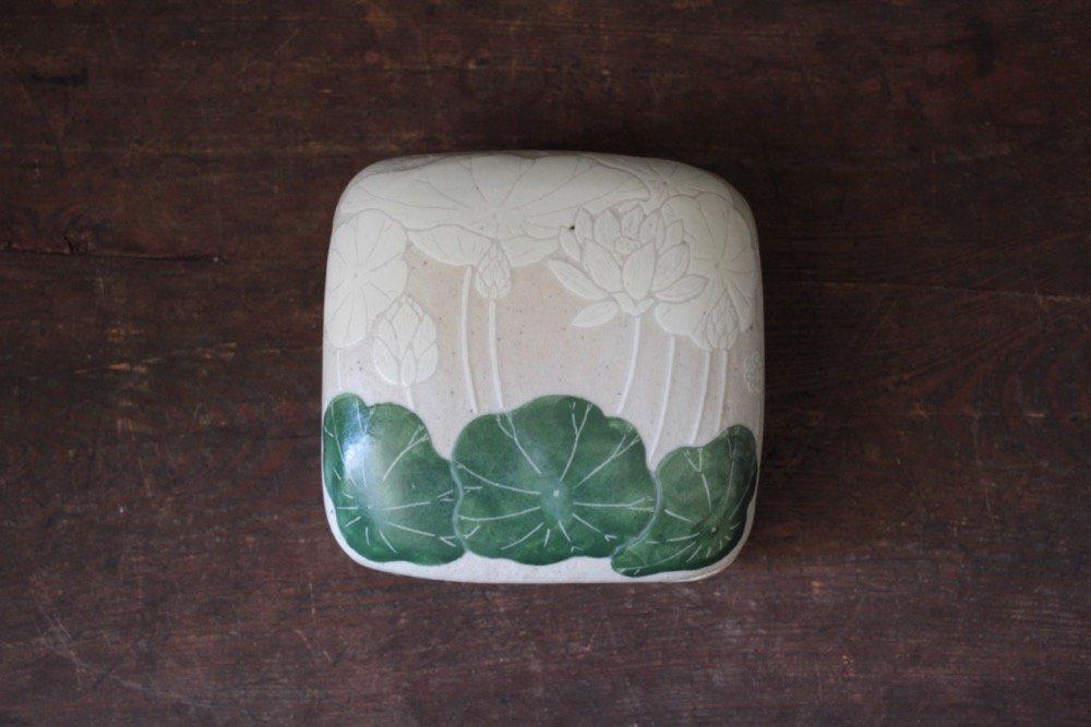 大谷桃子 ハスの葉 掻き落とし 陶箱