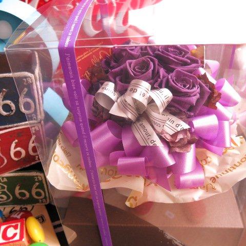 喜寿 お祝い 花 紫バラ プリザーブドフラワー入り ギフト ケース付き◆喜寿のお祝いプレゼント・記念日のギフトにピッタリ♪ご希望日にプレセント先にお届け可能…