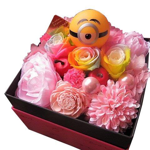 ミニオン入り 花 フラワーギフト レインボーローズ 花 ボックス プリザーブドフラワー 【フレンチbox入り】 ◆ミニオン柄・種類はおま…