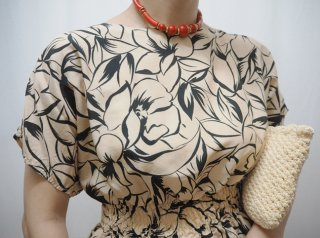 Vtg Cream Black Botanical Shirred Top