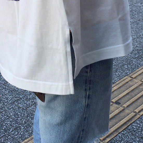 <img class='new_mark_img1' src='https://img.shop-pro.jp/img/new/icons3.gif' style='border:none;display:inline;margin:0px;padding:0px;width:auto;' />Name.  ネーム / ロングTシャツ Name. × Kisshomaru Shimamura BACK PRINT LONGSLEEVE TEE 【WHITE】