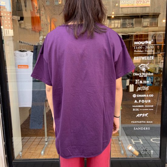 <img class='new_mark_img1' src='https://img.shop-pro.jp/img/new/icons3.gif' style='border:none;display:inline;margin:0px;padding:0px;width:auto;' />Black Weirdos  ブラック ウィドー / Tシャツ MASS/AGE Tee (round) 【D・PURPLE】