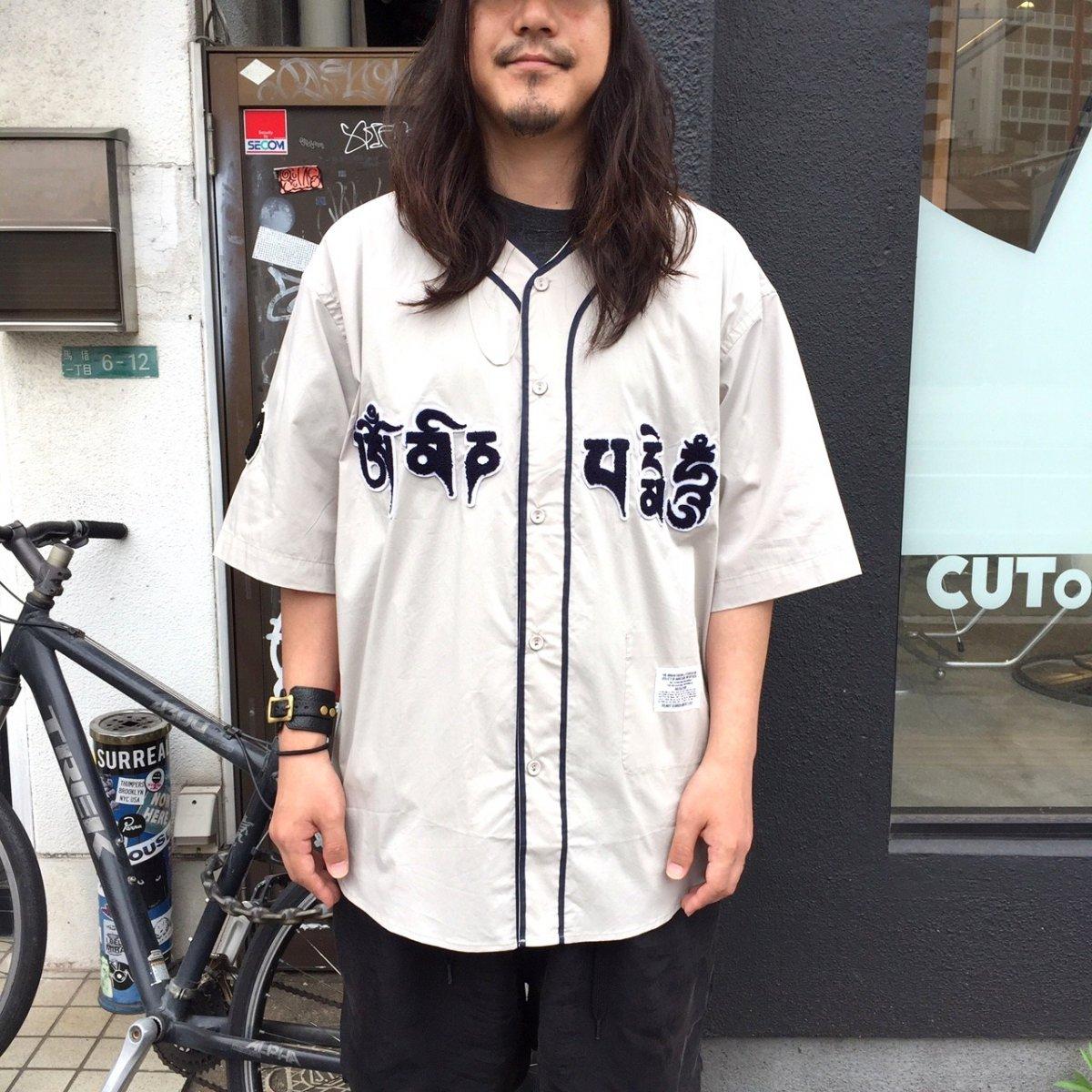 <img class='new_mark_img1' src='https://img.shop-pro.jp/img/new/icons24.gif' style='border:none;display:inline;margin:0px;padding:0px;width:auto;' />【SALE / 30%OFF】Black weirdos  ブラック ウィドー / シャツ Mantra Baseball Shirt 【GRAY】