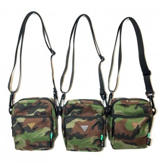 <img class='new_mark_img1' src='//img.shop-pro.jp/img/new/icons1.gif' style='border:none;display:inline;margin:0px;padding:0px;width:auto;' />Compact shoulder bag 【CAMO】