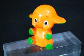 サトちゃんの指人形 「クスリはサトウ」のロゴあり