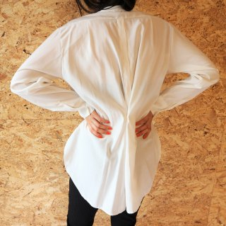 [即納] Back design blouse (WHITE)