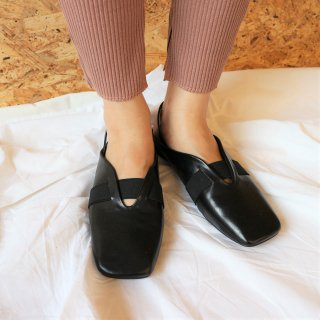 Lether slipper (BLACK)