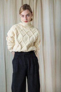 Cable highneck knit (IVORY)