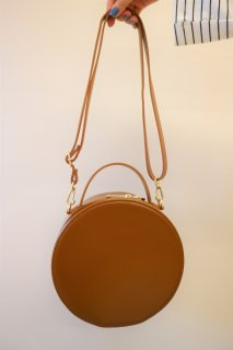 [予約] Circle shoulder bag (BROWN)