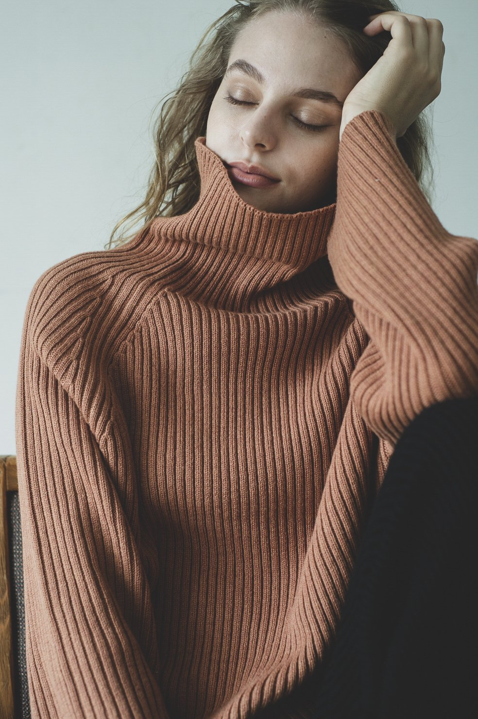 Rib high-neck knit tops