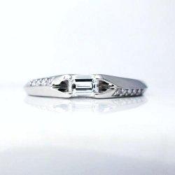 エメラルドカットダイヤモンドリング Pt900 ED 0.185ct D 0.05ct