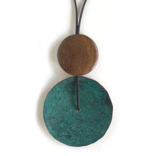 銅斑紋 円ならびネックレス緑