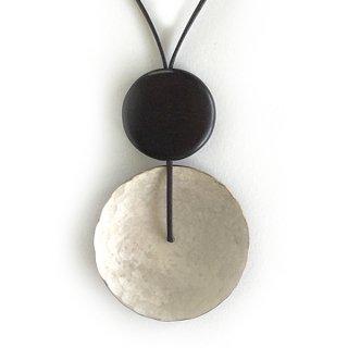 銅斑紋 円ならびネックレス銀