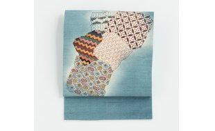 「きものなかむら」淡水色地色紙文型絵染名古屋帯