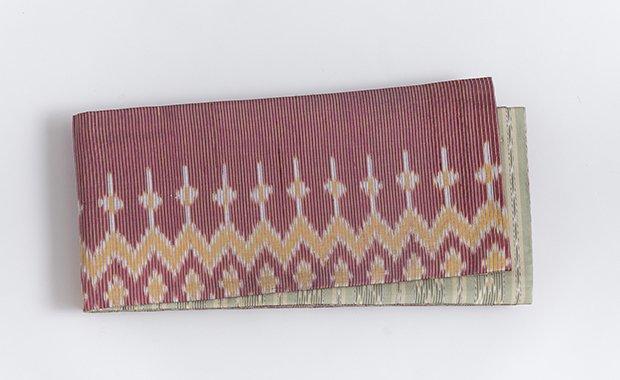 蘇芳色×薄柳色絣タイシルク半幅帯