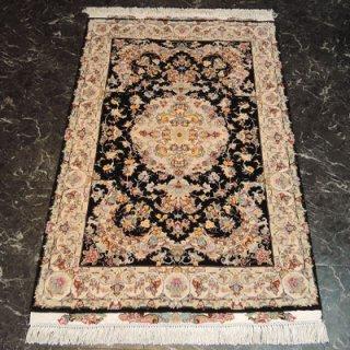 ペルシャ絨毯 Sサイズ(147cm×101cm) タブリーズ産  A163