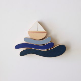 <img class='new_mark_img1' src='https://img.shop-pro.jp/img/new/icons14.gif' style='border:none;display:inline;margin:0px;padding:0px;width:auto;' />boat & waves stacking toy