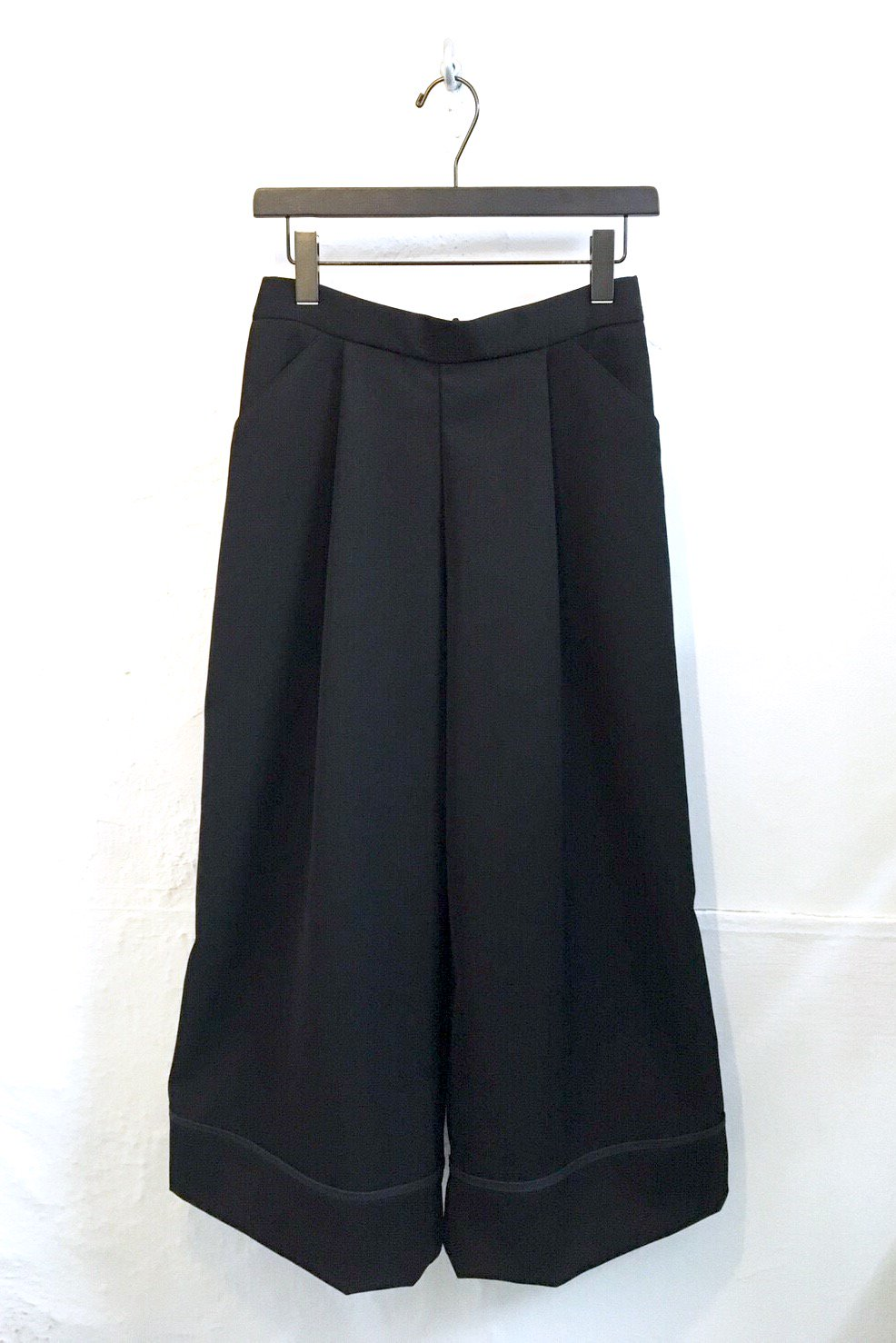 WIDE PANTS<br />-BLACK-