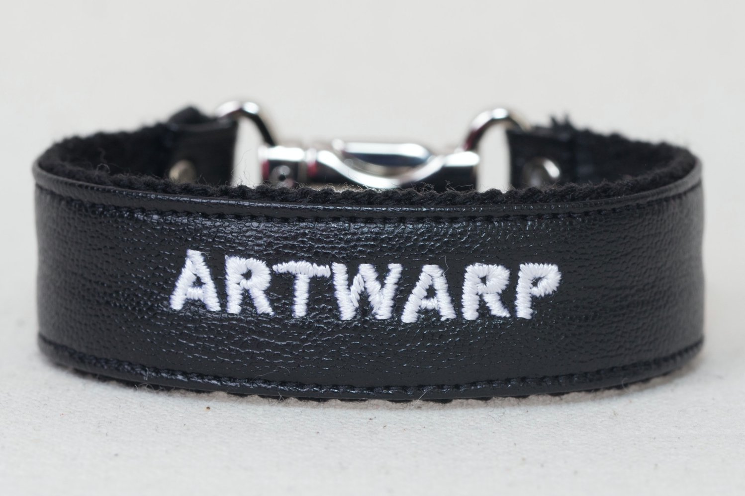 LOGO BRACELET<div>-BLACK×CHROME-</div>
