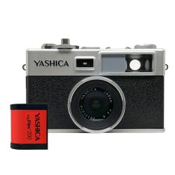 トイカメラ<br>YASHICA digiFilm camera Y35<br>with digiFilm 200