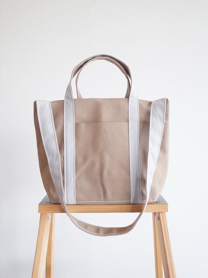TEMBEA Club Tote Small - Beige / Lt Gray