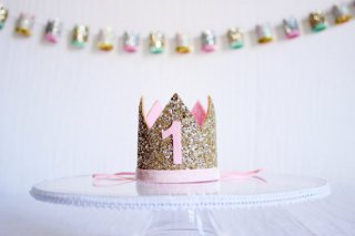 Birthday Crown Gold × Baby Pink