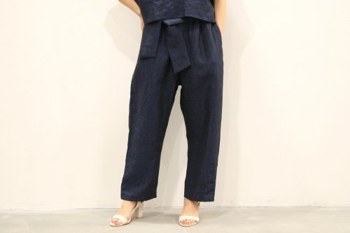 <img class='new_mark_img1' src='//img.shop-pro.jp/img/new/icons47.gif' style='border:none;display:inline;margin:0px;padding:0px;width:auto;' />Natsumi Zama / Penguin Pants(NAVY)
