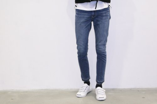 <img class='new_mark_img1' src='//img.shop-pro.jp/img/new/icons47.gif' style='border:none;display:inline;margin:0px;padding:0px;width:auto;' />ATELIER BÉTON /DENIM SKINNY PANTS(INDIGO)